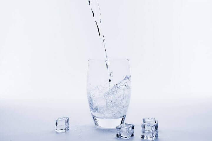 ファスティング中は、水と酵素ドリンクの使い分けがベスト
