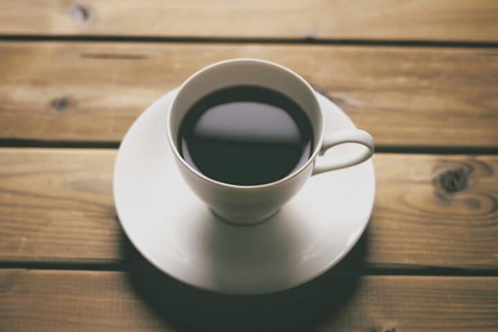 コーヒーの利尿作用よる水分不足に注意