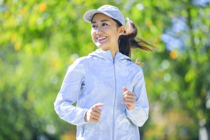断食をしている時にやってはいけないNG行動の1つ目は、過度な運動